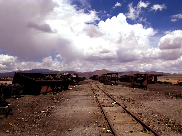 06_uyuni_bolivia_train_cementery