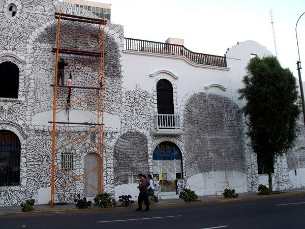 Blu in Lima