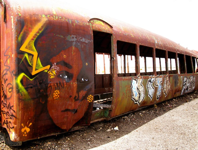 15_stinkfish_uyuni_bolivia_train_cementery