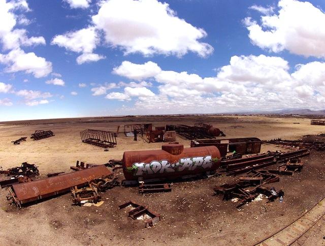 16_zas_apc_mdk_uyuni_bolivia_train_cementery