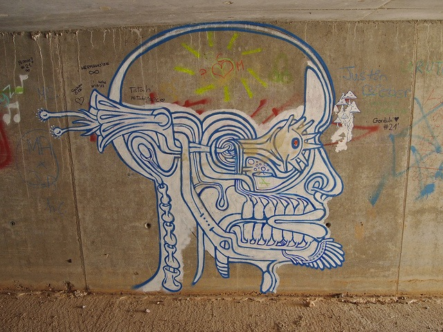 Unknown artist in Benicàssim, Spain. Photo by mejuan.