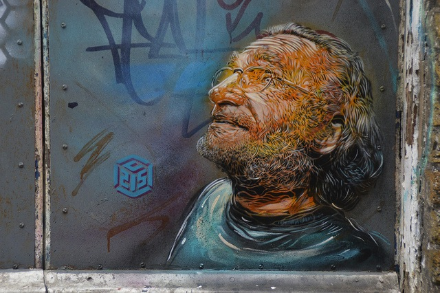 C215 in London. Photo by Boring Lovechild.